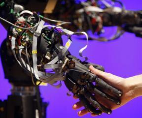 我国机器人市场爆发 对本土企业是馅饼还是陷阱