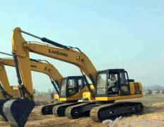 品质赢信任 山东大客户采购10台柳工挖掘机