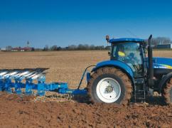 三一造耕地农机玩跨界更接地气做液压翻转犁